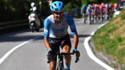 Un coéquipier de Piccoli chute lourdement en fin de course
