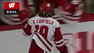 Caufield ouvre la marque... Brock Caufield!