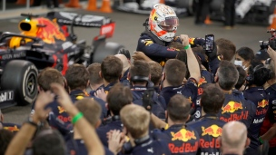 Racing Point échappe la 3e place pendant que Verstappen s'impose