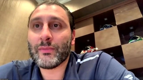 Roberto Luongo attentif au duel Levi-Knight