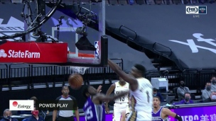 Dunk fracassant de Zion Williamson